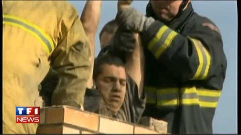 Un adolescent américain coincé dans la cheminée : les images du sauvetage
