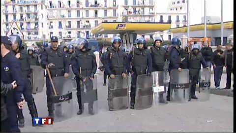 Algérie : la police bloque les manifestants à Alger