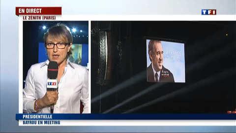 Ambiance avant le premier grand meeting de Bayrou à Paris