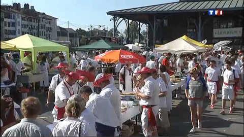 Ambiance rouge et blanche à Bayonne