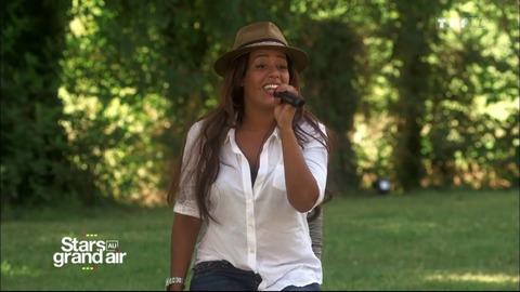 """Amel Bent épate Benabar en reprenant sa chanson """"Le dîner"""" !"""