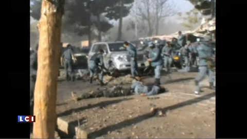Attentat suicide dans une mosquée afghane, les images
