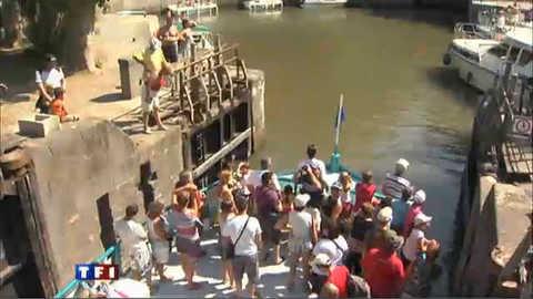 Balade en bateau sur le canal du Midi de Béziers à Sète