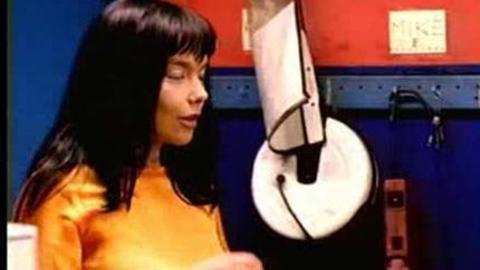 Björk - It's Oh So Quiet (2007)