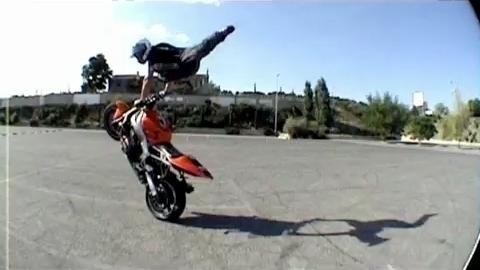 BladE Orange Street - Circle, Jump and Drift