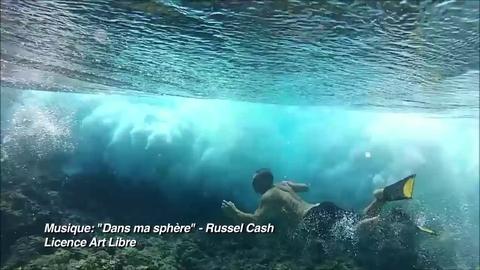 Bodysurf à Tahiti à quelques centimètres du reef...