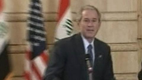 Bush et les chaussures du journaliste