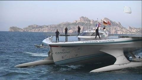 Un catamaran à énergie solaire à Marseille