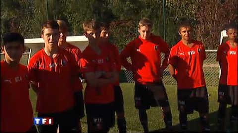 Au centre de formation des footballeurs, on apprend aussi la politesse