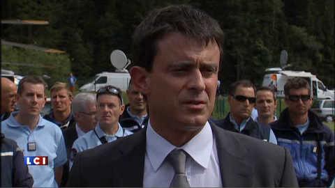 """Chamonix : Valls salue """"le travail des secouristes"""""""