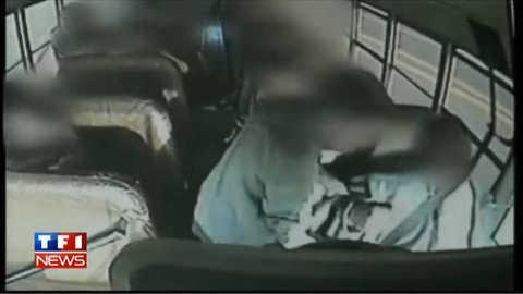 Un chauffeur de bus fait un malaise au volant, deux enfants le sauvent