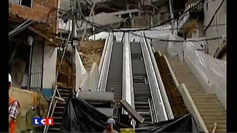 Colombie : un escalator géant pour traverser un bidonville