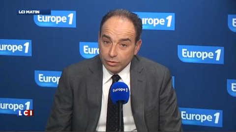"""Copé : Hollande """"ne présente pas de vision"""""""