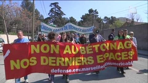 Les défenseurs de la nature s'indignent (Marseille)