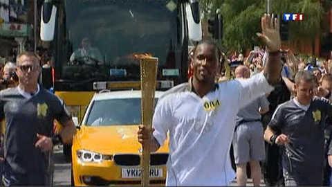 Didier Drogba, porteur de la flamme olympique