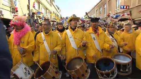 A Dunkerque, les carnavaliers rendent hommage aux pêcheurs