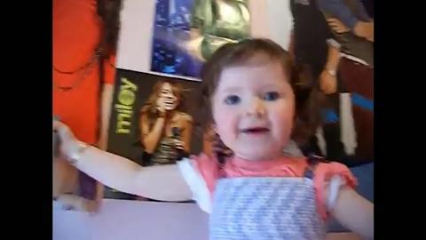 Elle chante du Justine Bieber a 2 ans !