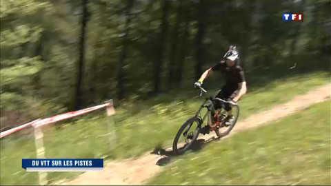 En été, la montagne accueille les VTT sur ses pistes