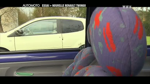 Essai : la nouvelle Renault Twingo restylée (11/12/2011)