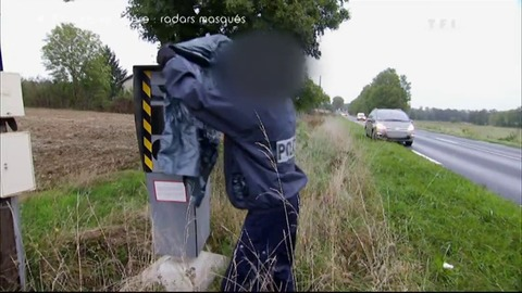 Exclusivité Automoto - Radars, l'action de policiers en colère