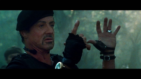EXPENDABLES 2 - EXTRAIT LOADED