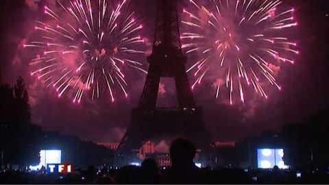 Feu d'artifice du 14-Juillet : les Parisiens en fête