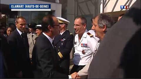 François Hollande au chevet des soldats blessés