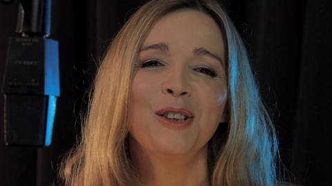 """Hélène chante """"Les Mystères de l'Amour"""""""