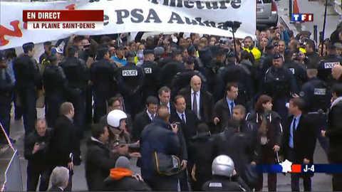 Hollande salue les manifestants PSA avant le débat