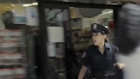 Hot female cop sexually attracted by prisoner