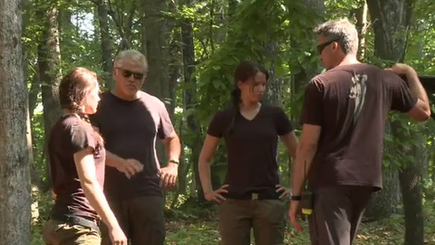 Hunger Games - Sneak Peek - The World is Watching - Making of The Hunger Games