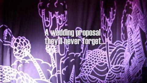 Il demande son amie en mariage en plein concert des Foster The People