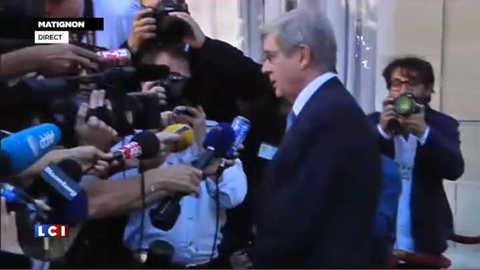 """""""Il n'y aura pas de licenciements secs"""" a répété le patron de PSA, Philippe Varin, à Matignon"""
