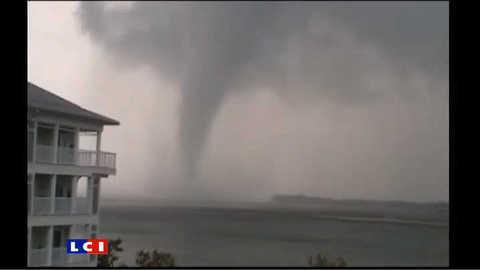 Les images impressionnantes d'une tornade aux Etats-Unis