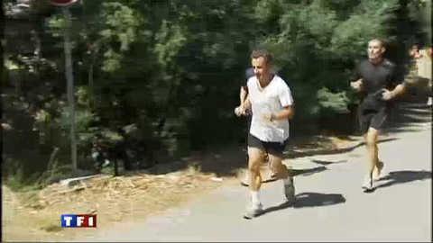 Les images du jogging de Nicolas Sarkozy au Cap-Nègre