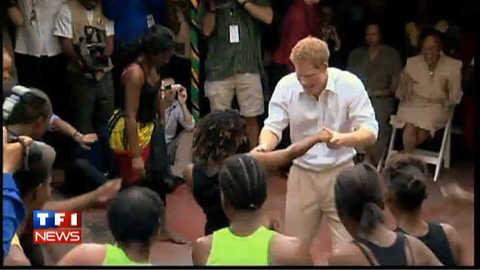 A la Jamaïque, le prince Harry se lâche