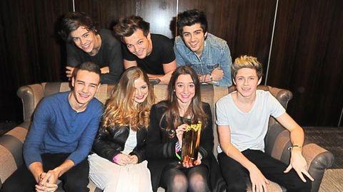 Julie, NRJ Music Award du Meilleur Fan 2013 rencontre les One Direction!