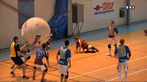 Le Kin Ball, sport ludique qui se joue... à trois équipes