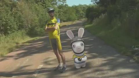 Les lapins crétins envahissent le tour de France