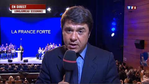 A Longjumeau, Sarkozy entouré de jeunes à la tribune