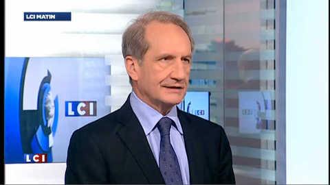 """Longuet compare Hollande à un capitaine """"trop près des récifs"""""""
