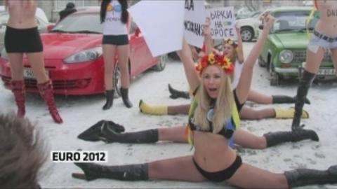 Des manifestations contre la prostitution lors de l'Euro 2012
