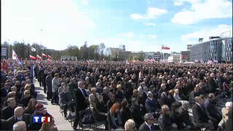 Marée humaine en Pologne pour l'hommage aux 96 victimes