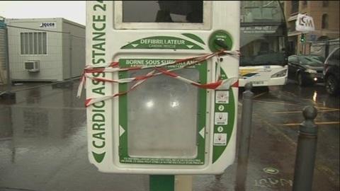 Marseille tente de relancer les défibrillateurs 