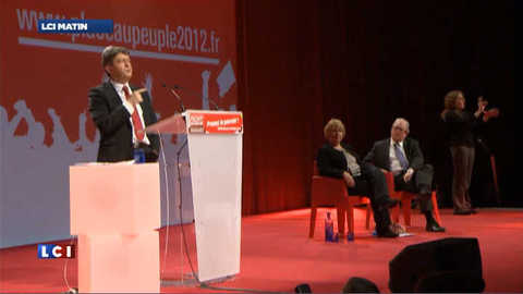 """Mélenchon : """"Marine Le Pen, vous ne comprenez rien à la France"""""""