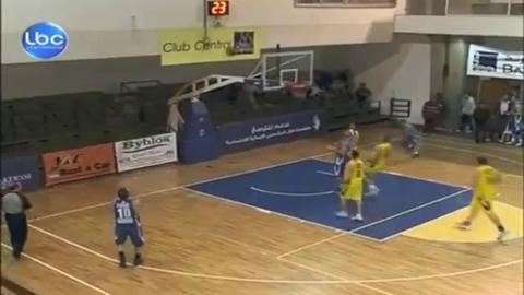 Mohammad Akkari marque 113 points dans un match