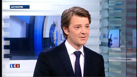 "Moody's menace le AAA de la France, Baroin ""prendre acte"""