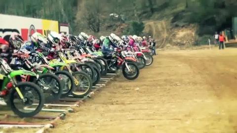MUD FIM Motocross World Championship - Dev Diary 5 - FR - PS3 Xbox360 PC.mp4
