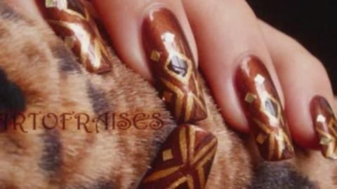 Nail art design : brown and gold (marron et doré)