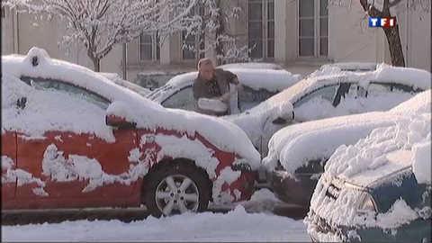La neige provoque la pagaille à Brignoles